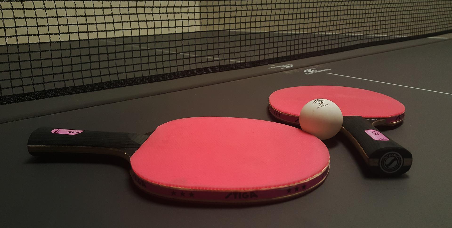 Ingolf Derkow Tischtennis Schläger und Ball