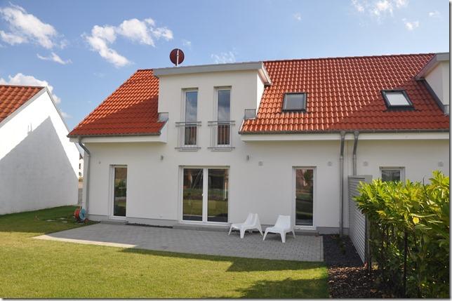 Das neue Musterhaus Sennfeld ein Doppelhaus basierend auf dem Alto SD der Heinz von Heiden-System-Architektur HvH_Musterhaus Sennfeld_Garten