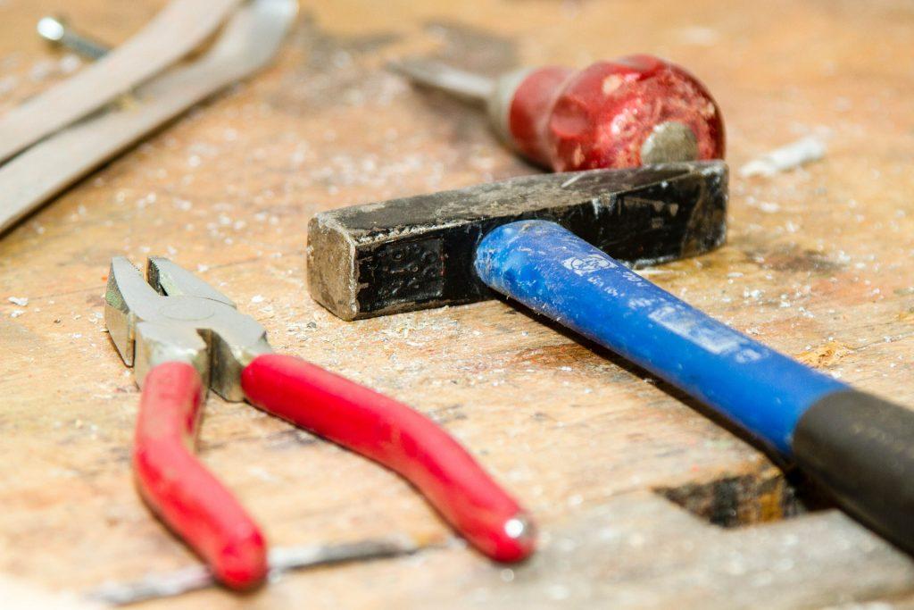Handwerker haben derzeit gute Chancen am Arbeitsmarkt - David Haderk Blog