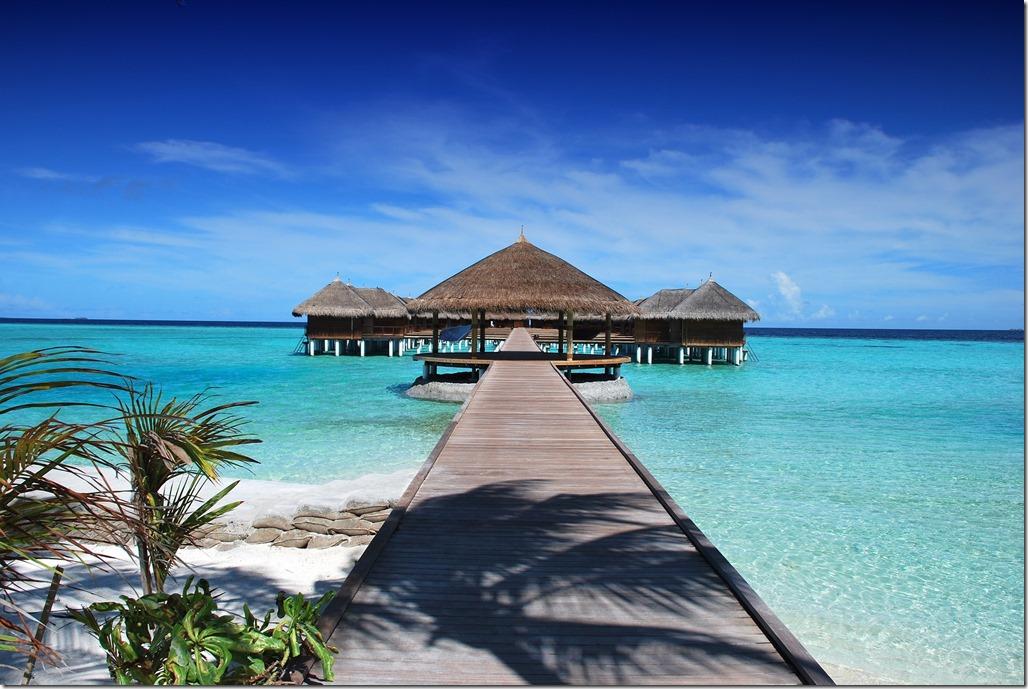 Remo Karpf maldives-666122_1920
